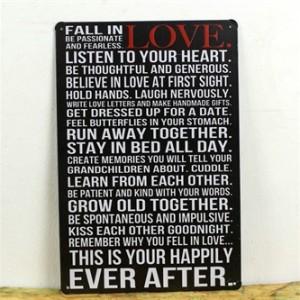 fall-in-love-emaljeskilt.jpg